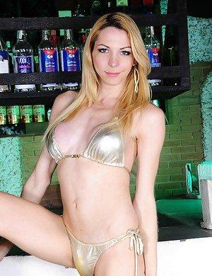 Tranny in Bikini Porn